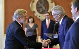 Zeman jmenoval Michala Mazance předsedou Nejvyššího správního soudu