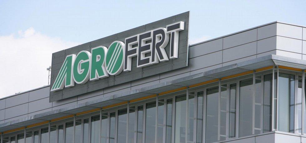 Agrofert, společnost, která vlastní významné majetkové účasti ve zpracovatelských, výrobních a distribučních podnicích zemědělského, potravinářského a chemického průmyslu, ilustrace.