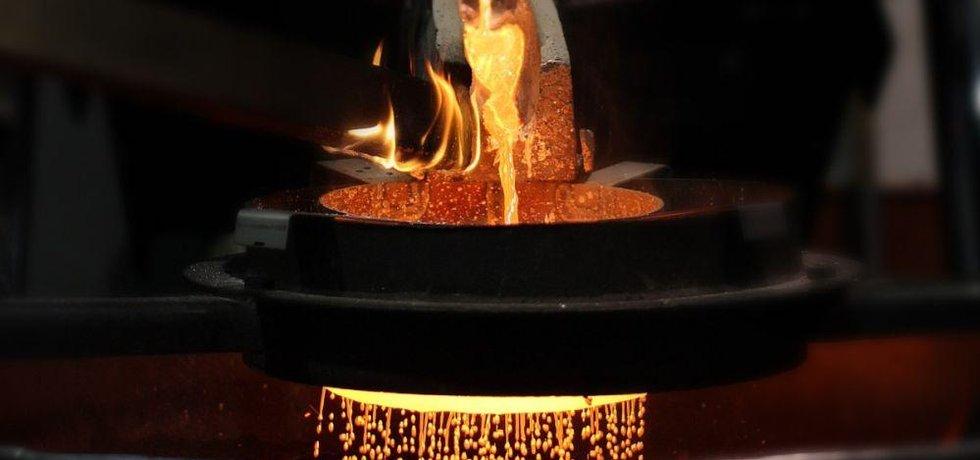 Odlévání stříbrných granálií
