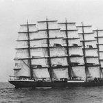 Největší plachetnice, která byla kdy postavena. Německá obchodní loď Preussen měla pět stěžňů. V provozu byla v letech 1902 až 1910.
