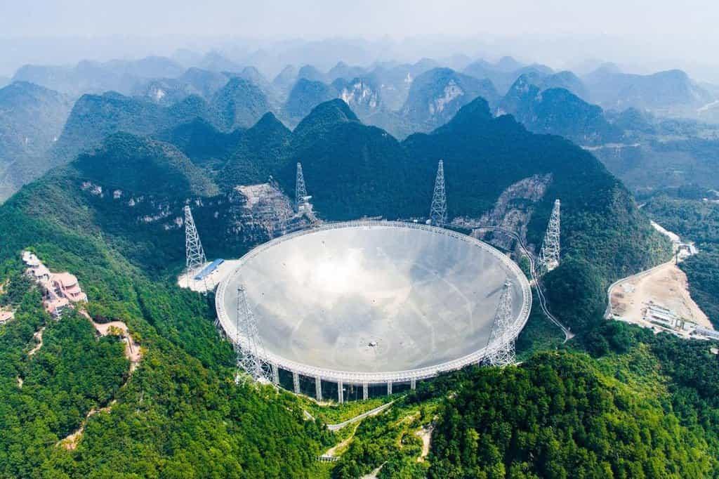 Teleskop v Pingtangu byl zprovozněn v září 2016 a v současnosti je největším teleskopem na světě.