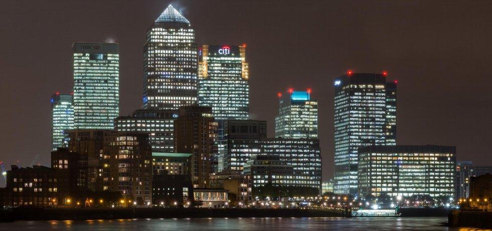 Canary Wharf, londýnské finanční centrum (Autor:Diliff via Wikimedia Commons (CC BY-SA 3.0)