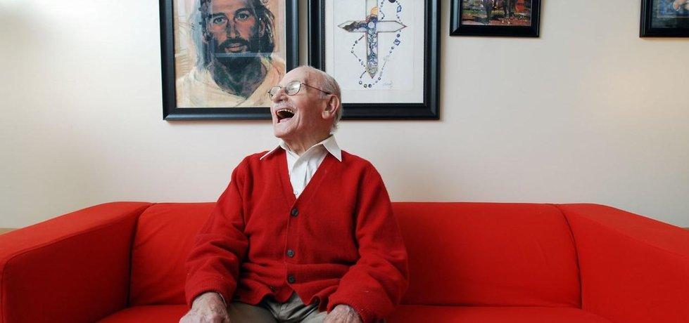 100letý americký stařík, ilustrační foto