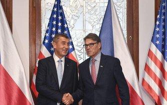 Premiér Andrej Babiš jednal s americkým ministrem energetiky Rickem Perrym