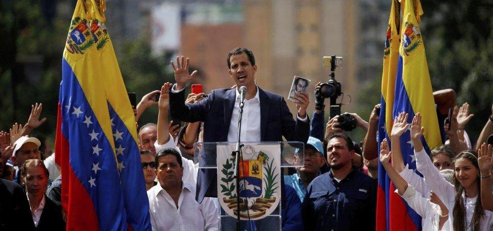 Předseda venezuelského parlamentu Juan Guaidó