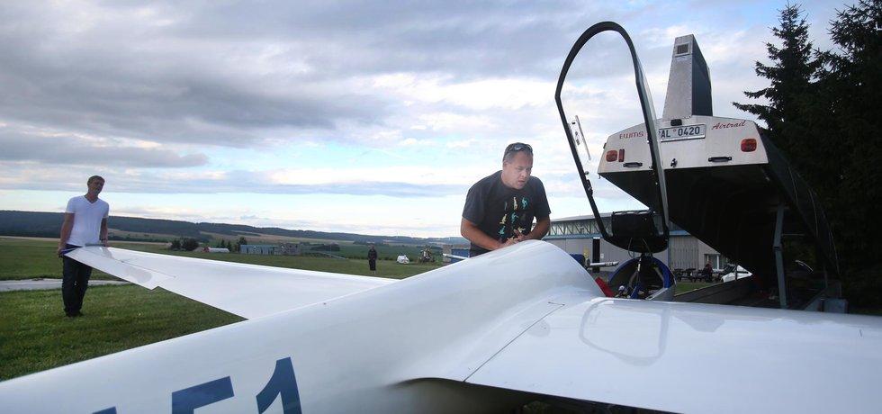 Čeští letečtí akrobati patří ke světové špičce