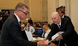 Premiér Andrej Babiš a ministr zemědělství Miroslav Toman