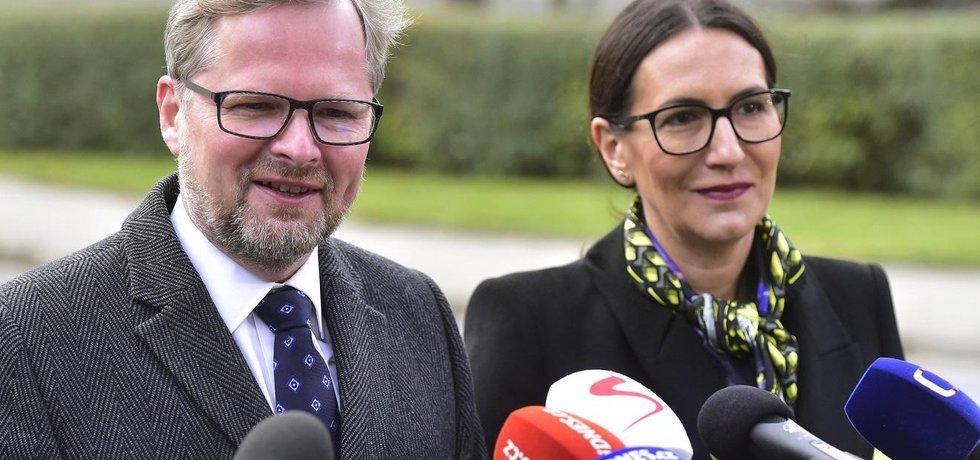 Předseda ODS Patr Fiala a místopředsedkyně strany Alexandra Udženija po setkání s prezidentem Milošem Zemanem v Lánech