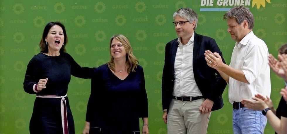 Němečtí Zelení po volbách do Evropského parlamentu slaví.
