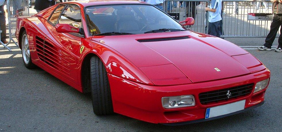 Název modelu Ferrari Testarossa bude nově označovat i hračky nebo holicí strojek