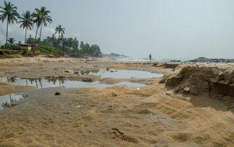 Nedostatek písku nevyřeší ani všechny pouště světa. Zrnka jsou větrem natolik ohlazená a obroušená, že se nemohou zachytávat a nedrží pohromadě, takže jsou pro beton nepoužitelná.