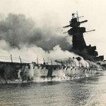 Potápějící se Admiral Graf Spee 17. prosince 1939