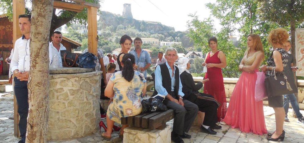 Rodinný život je pro Albánce základním pilířem. Nedělní sváteční setkání všech generací je samozřejmostí. (autor: Miroslav Tryner, Euro.cz)