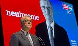 Předseda TOP 09 Miroslav Kalousek při představení volebního programu strany