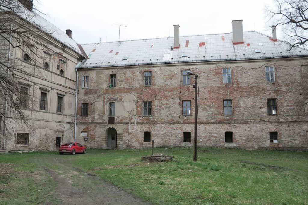Zámek Svijany v roce 2013