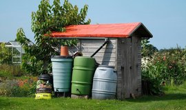 Lidé mají zájem o systém na použití dešťové vody pro splachování i pro zálivku.