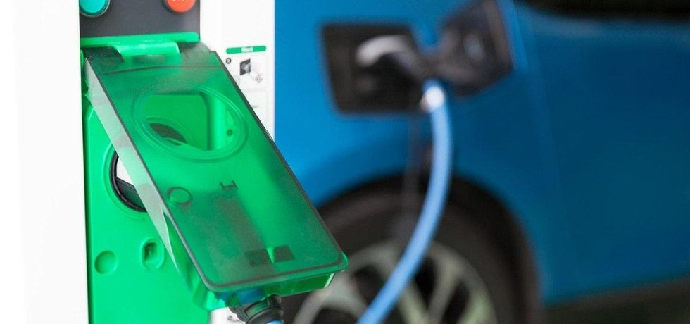Dobíjecí stanice pro elektromobil, ilustrační foto
