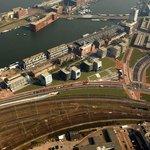 Amsterdamští mohli zasáhnout do podoby nové výstavby v brownfieldu. Nepřáli si souvislou řadu domů, ale solitéry