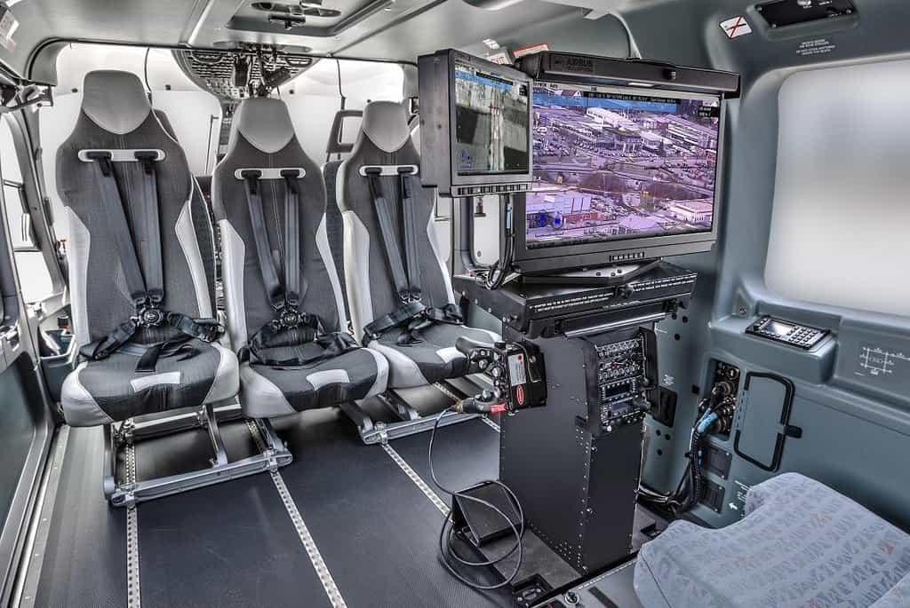 Zmodernizovaný policejní vrtulník Airbus Helicopters EC135.