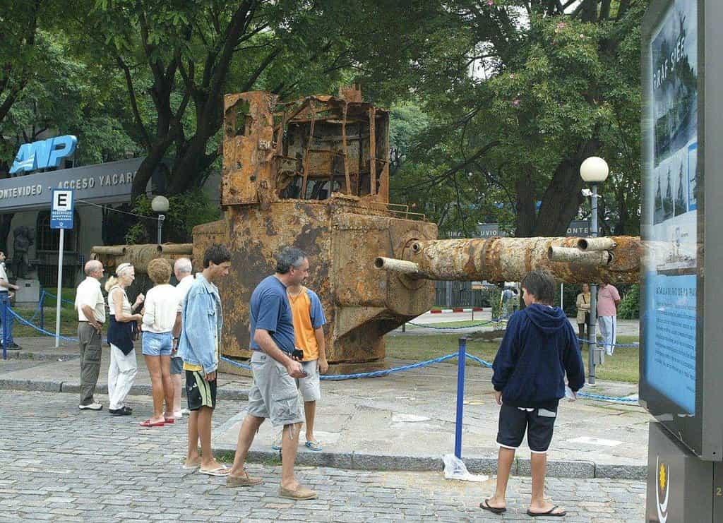 Dělová věž Admirala Graf Spee vystavená v Montevideu