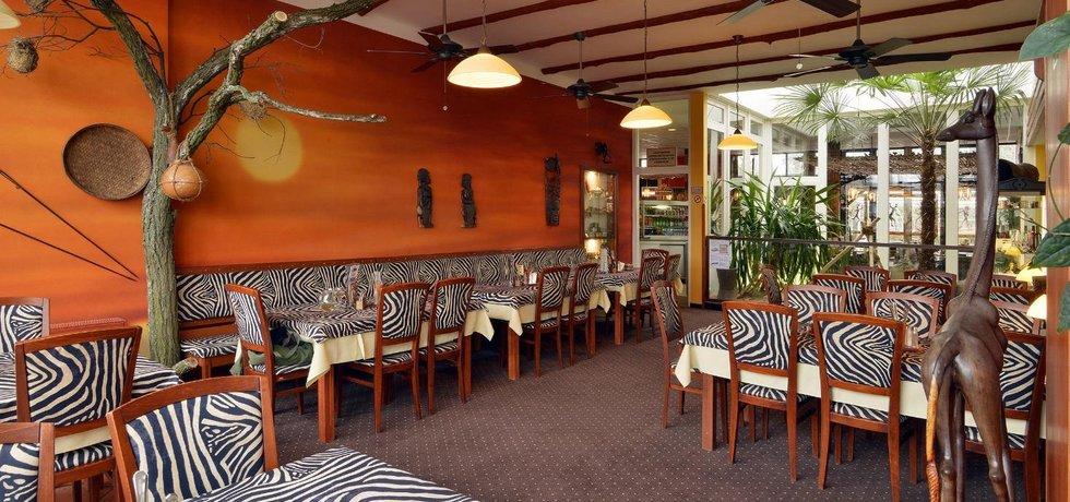 Restaurant Lemur v Safari Dvůr Králové