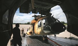 Moskva komplikuje Slovensku zakázku na opravu vrtulníků. Těžit z toho může Praha
