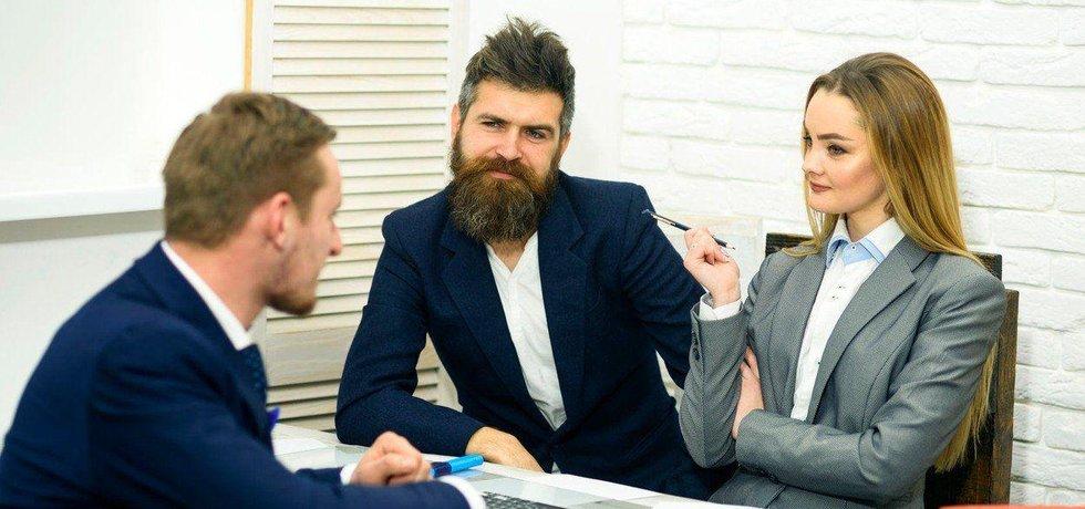 Jak vyzrát na všetečné dotazy personalisty u pohovoru, ilustrační foto
