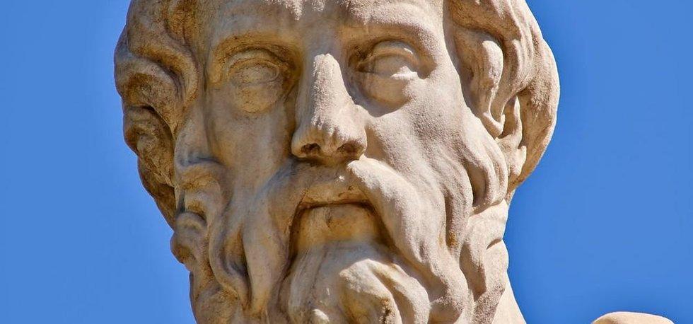 Socha řeckého filosofa Platóna