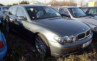 Zabavená auta s podezřením na krádež na parkovišti v Malešicích
