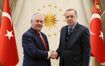 Erdoğan na schůzce s Tillersonem v Ankaře