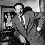 Walt Disney: Ještě před tím, než založil dnes světově proslulou značku, vybudoval Disney se svým bratrem Royem animační studio Laugh-O-Grams. Jejich první společný projekt ale skončil propadákem a v roce 1922 zbankrotoval. Disney se však nenechal odradit. S bratrem se vydali do Kalifornie, založili nové studio, a brzy slavili velký úspěch. Oba bratři měli rozdělené role: Walt se staral o kreativní práci, Roy především o finance.