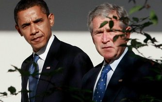 Barack Obama a george W. Bush
