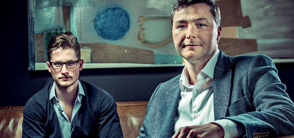 Na začátku Twista stál i jeden z pětice mužů Mitonu Ondřej Raška (vpravo), který investoval do mladého finančníka Michala Šmídy, aby službu vytvořil.
