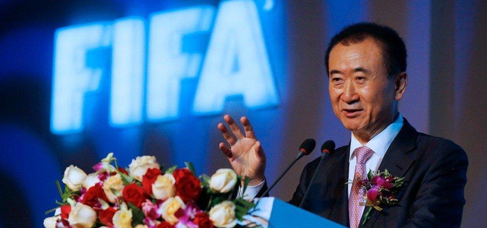 Konglomerát Dalian Wanda pátého nejbohatšího Číňana Wang Ťien-lina (na snímku) investuje do reklamy na fotbalovém šampionátu 150 milionů dolarů.