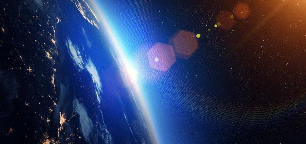Země a Slunce, ilustrační foto