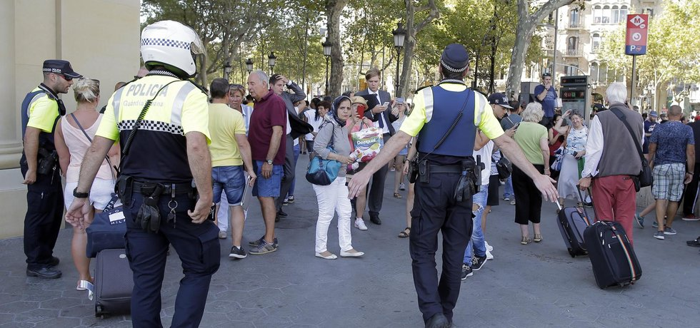 Policie místo incidentu evakuovala