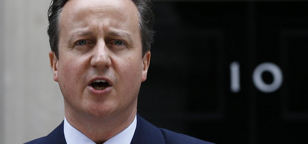 David Cameron se vrací do Downing Street 10