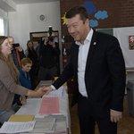 Předseda SPD Tomio Okamura odevzdal svůj hlas v komunálních a senátních volbách na Praze 8