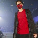 Přehlídka protismogové módy. Zorganizovali ji krakovští studenti.