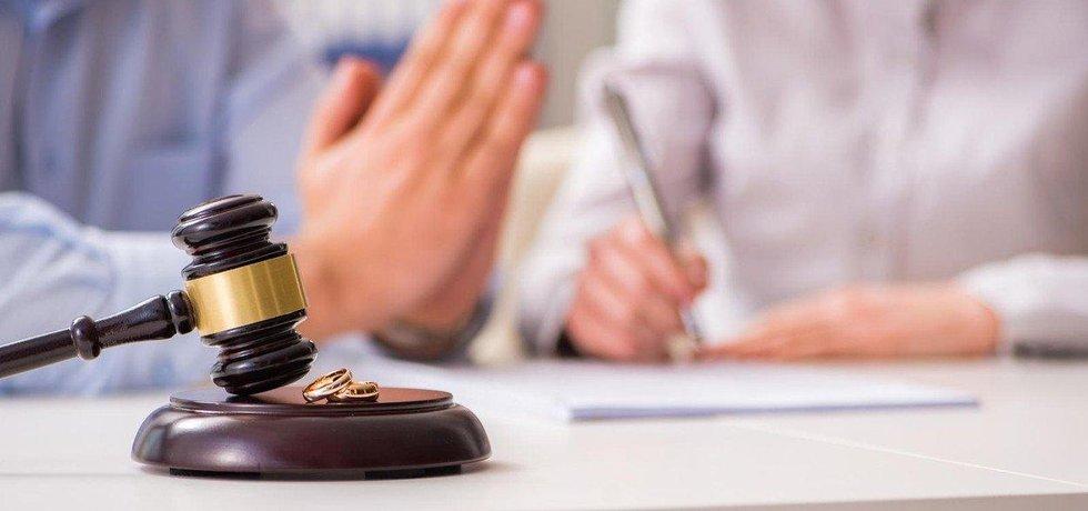 Rozvody čím dál častěji provázení křivá nařčení