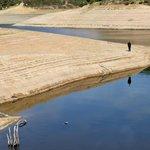 Hladina vody v orlické přehradě letos klesla o deset metrů níže, než je běžné