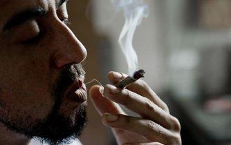 Uruguay schválila úplnou legalizaci marihuany jako první stát na světě.