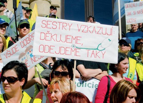 Státní zaměstnanci vyšli do ulic