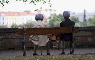 důchodkyně, ilustrační foto