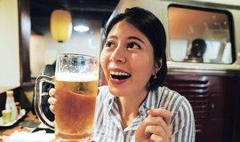 Obchodní bariéry mizí. Japonci ruší cla na alkohol nebo mléčné výrobky