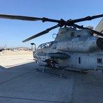 Bez přídavných nádrží AH-1Z ulétne 642 kilometrů, se dvěma 909 a se čtyřmi dokonce 1161 kilometrů.
