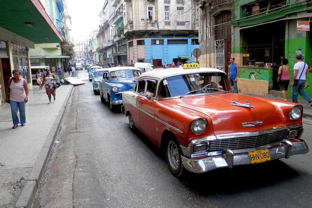 Novodobá ekonomická šlechta. Na Kubě k ní patří taxikáři.
