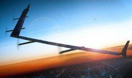 Solární dron Facebooku Aquila