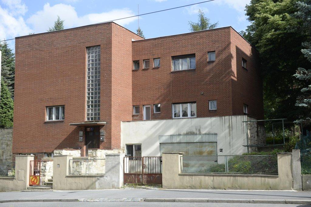 Funcionalistická vila na Petřinách
