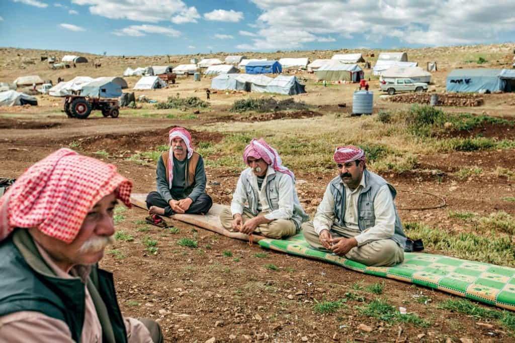 Jezídští předáci na hoře Sindžár